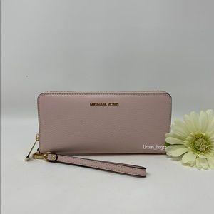 Michael Kors JST Large Zip Wallet